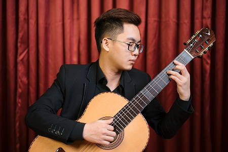 Prelude No.5 - H. Villa-Lobos played by Nguyen Duy Quoc Anh on a Swallow Guitars C650